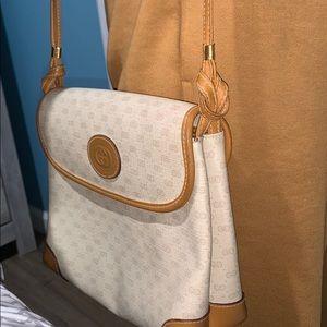 Tan vintage Gucci crossbody bag